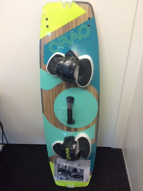 New looks Orao Zeruko kiteboard from Decathlon, same dimensions