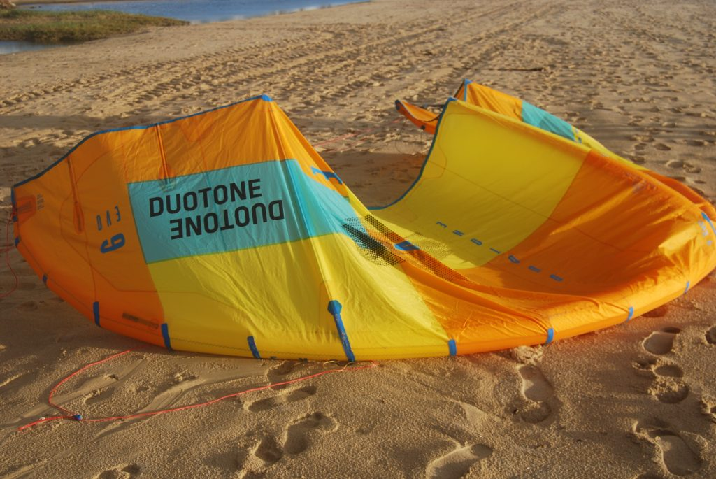 Duotone Evo 2019 with 3 struts and 4 battens